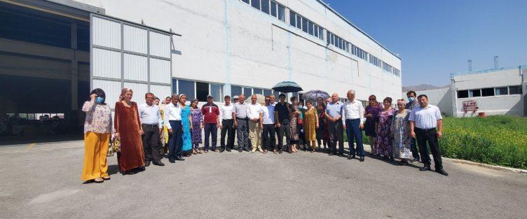 Учебный тур сотрудников профессиональных лицеев на промышленные предприятия СЭЗ «Сугд» в рамках проекта «Усиление профессионального образования и обучения».